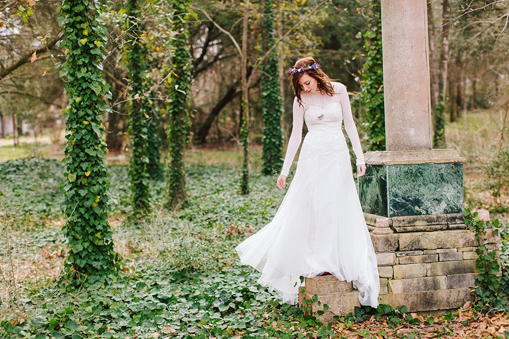 portraits of a bohemian whimsical bride on her wedding day in Round Top Texas